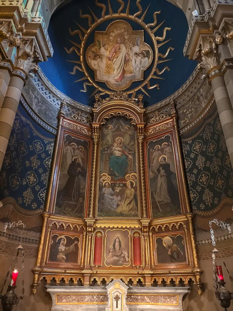 Altare chiesa parrocchiale San Giovanni Battista a Orbassano (TO)